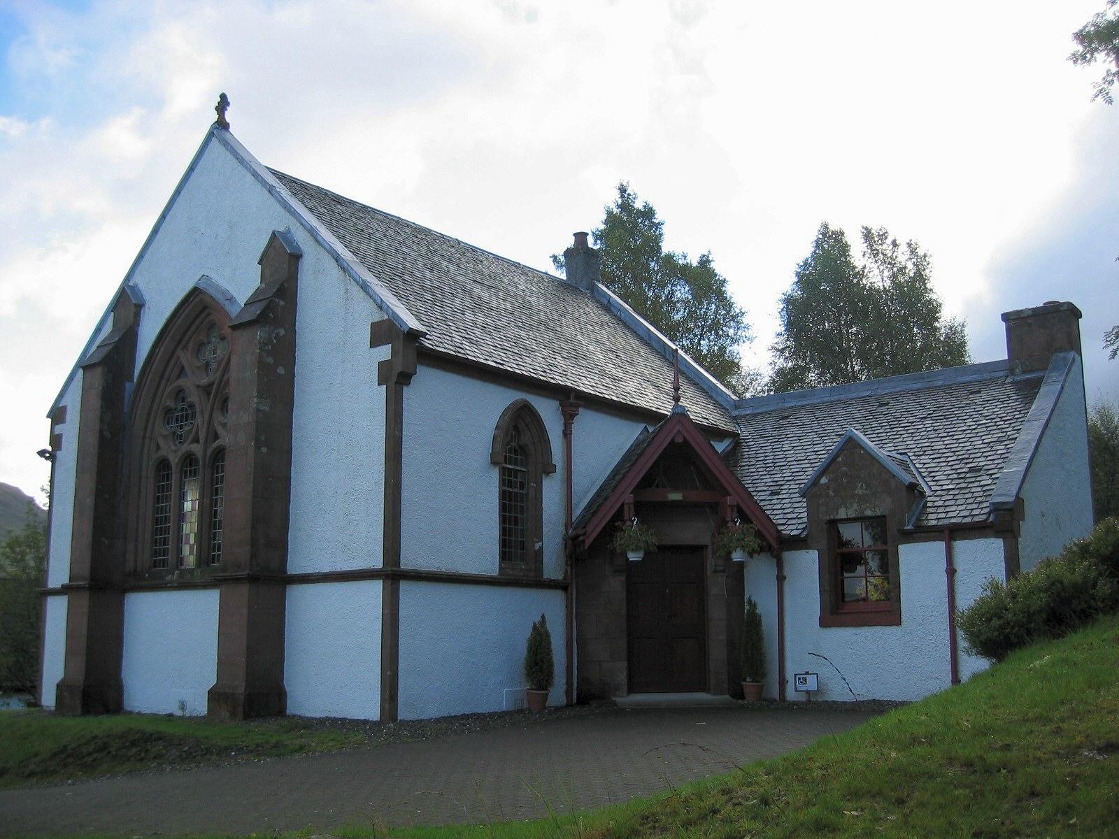 Crianlarich_church