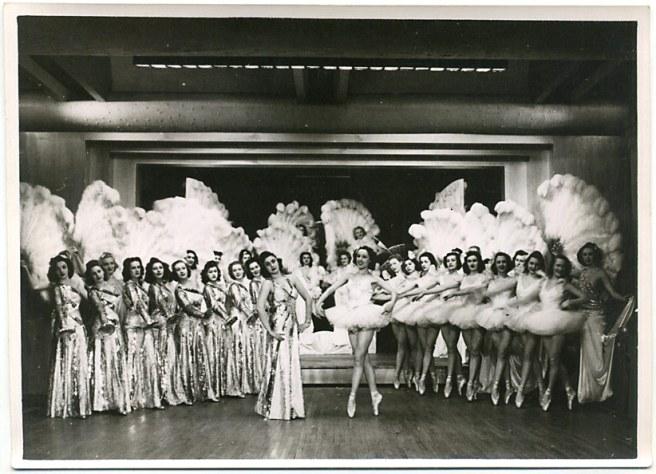 globe389B folies 1930's