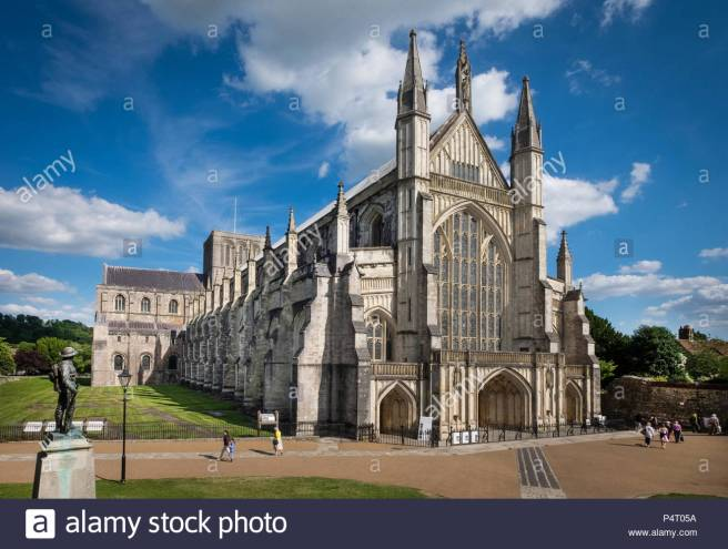 winchester-cathedral-in-winchester-hampshire-uk-P4T05A