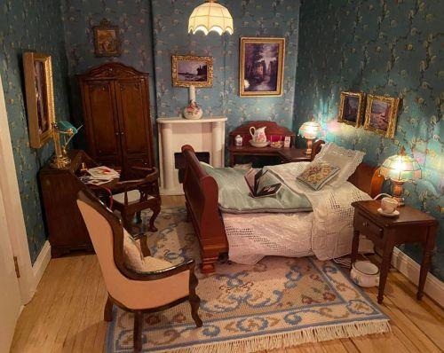 Dollhouse needlepoint rug kit Judith