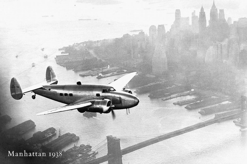 NYC_11_Lockheed-Super-Electra-Howard-Hughes-1938