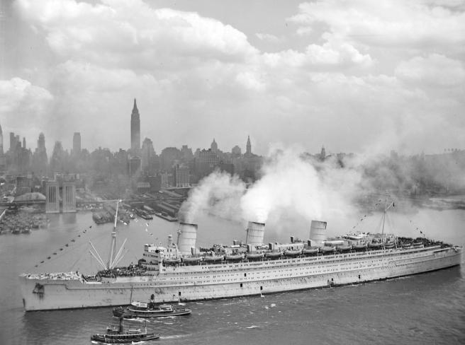 NYC_23_RMS_Queen_Mary_20Jun1945_NewYork